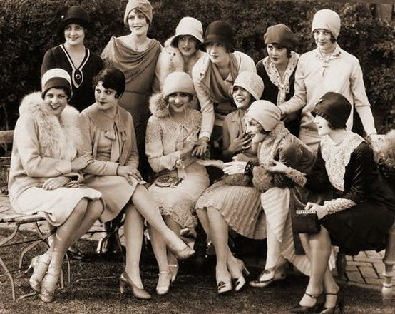 1925. A gathering of Hollywood starlets. Joan on bottom row, at far right.