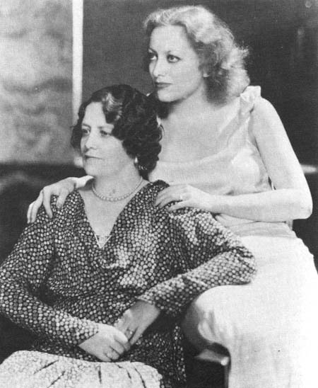 1931. Joan with mother Anna Belle.