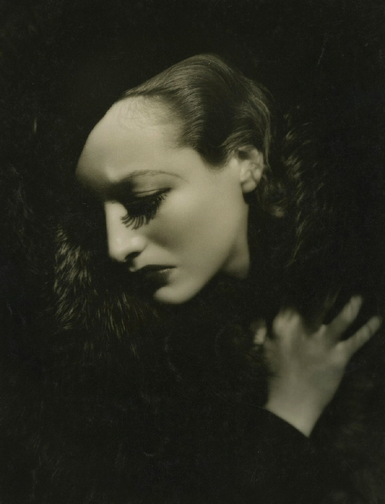 1932 'Letty Lynton' publicity shot by Hurrell.