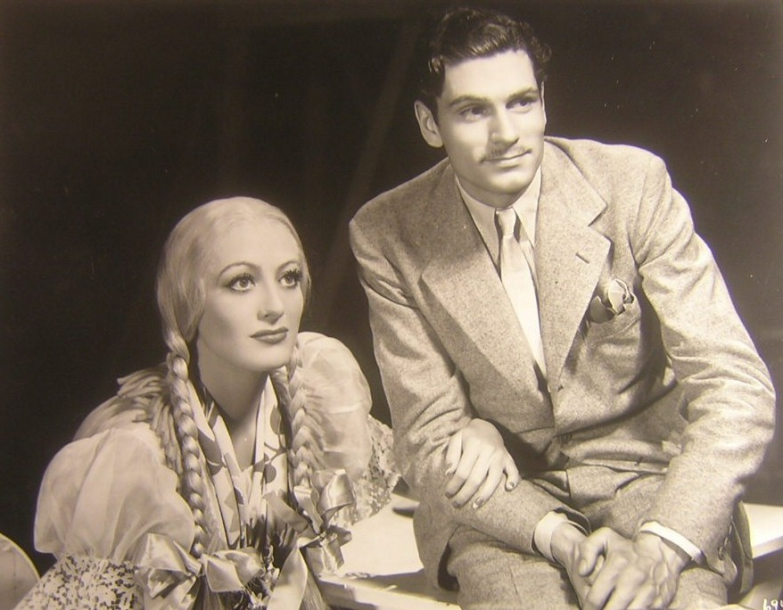 1933. On the 'Dancing Lady' set with Laurence Olivier. (Thanks to Susanne.)