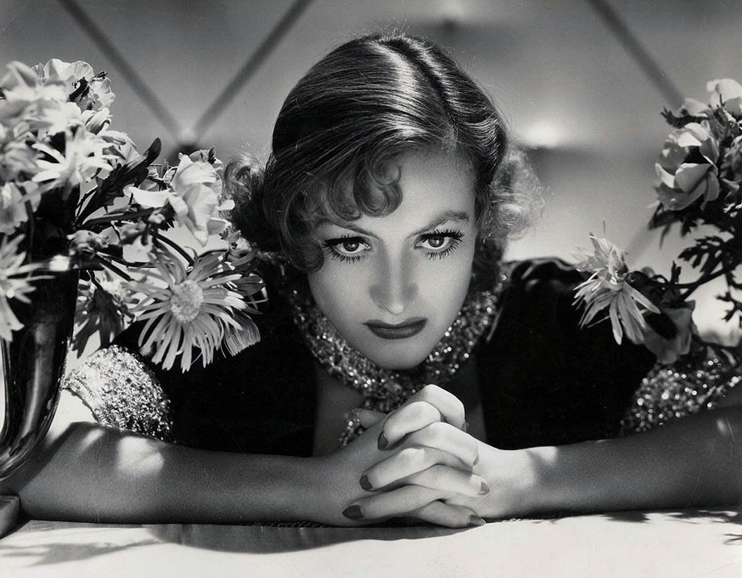1933 publicity shot by Hurrell.