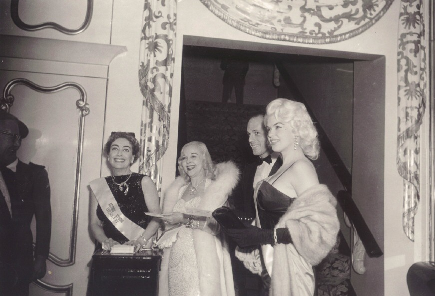 December 1955. At a NYC Actors Studio benefit with Hope Hampton and Jayne Mansfield.