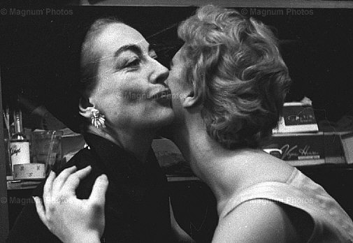1956. Joan and Tina in NYC. By Eve Arnold.