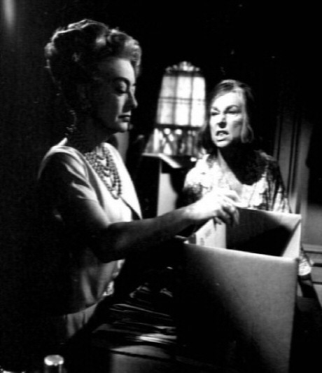 1964. 'Hush' still. With Agnes Moorehead. Thanks to Steve Pickens.