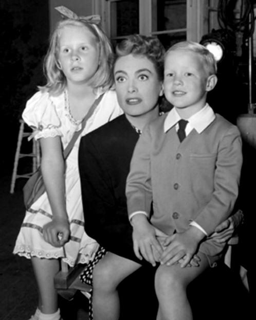 Joan Crawford Images 1947